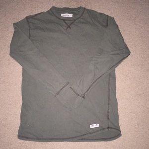 Green long sleeve t-shirt size medium
